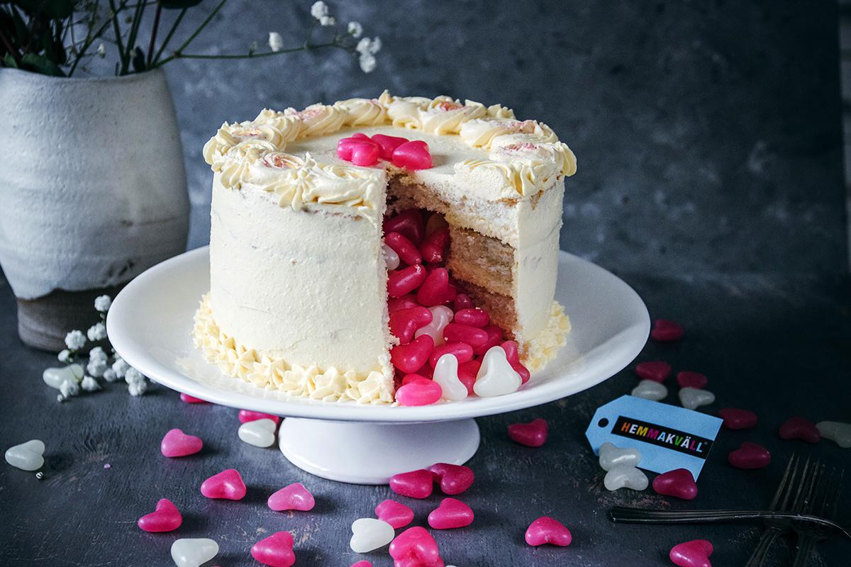 Hemmakväll -Vaniljtårta med överraskning-fix_crop