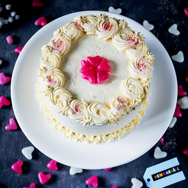 Hemmakväll - Vaniljtårta med överraskning-fix_square
